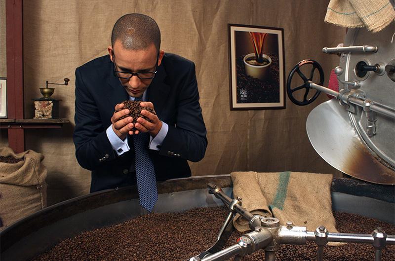 Sherif mirosind cafea